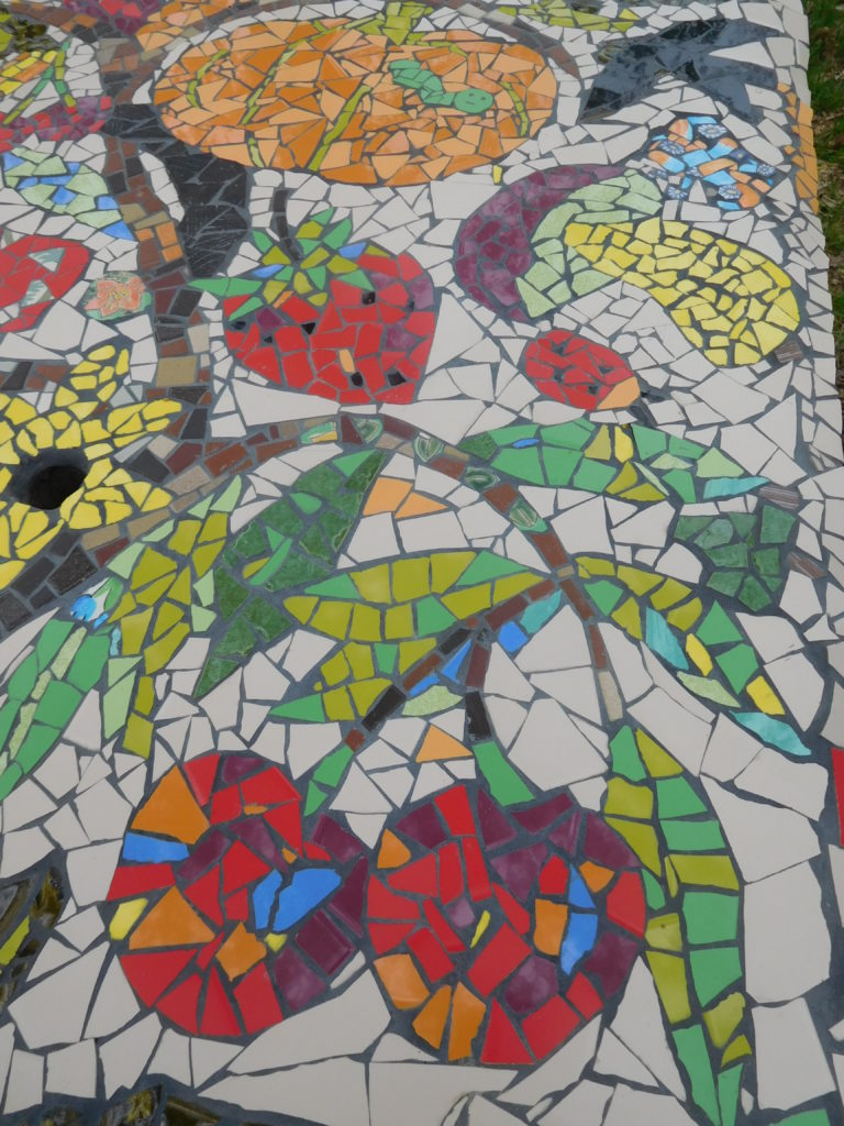 Détail de fruits et légumes en mosaïques
